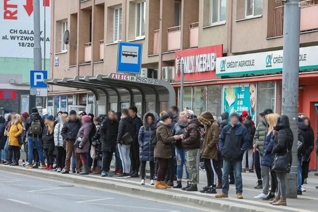 Tak wyglądał dziś przystanek przy alei Wyzwolenia w Szczecinie.