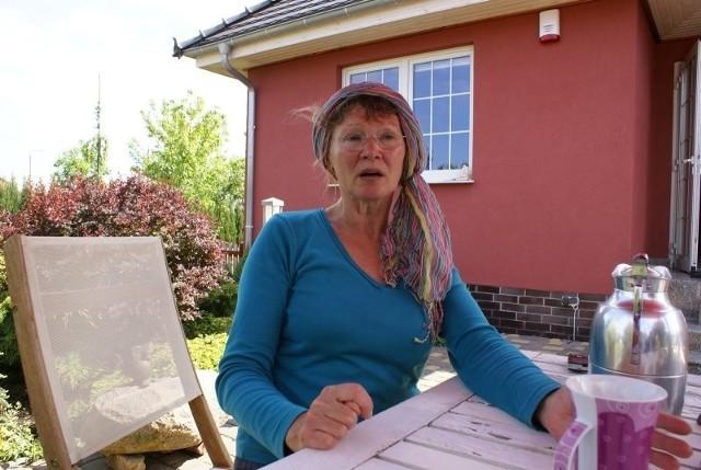 – Mam nadzieję, że burmistrz dotrzyma słowa i w sierpniu będziemy mieć wodę – mówi Eleonora Schroder.