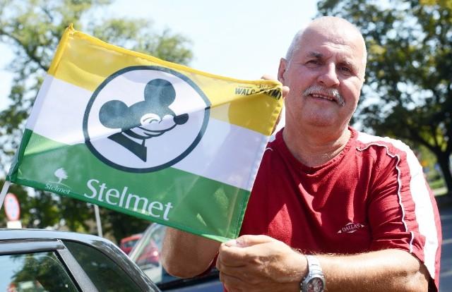 W niedzielę (11 września) Ekantor.pl Falubaz Zielona Góra podejmie na własnym torze, w drugim meczu półfinałowym, Get Well Toruń. W całym mieście można wyczuć już gorącą atmosferę przed tym arcyważnym spotkaniem. Niemal na każdym kroku można zauważyć flagi, transparenty oraz plakaty zachęcające do przybycia w niedzielę na stadion przy W69, by wesprzeć dopingiem żużlowców Ekantor.pl Falubazu Zielona Góra w walce o awans do finału ekstraligi. Zobaczcie, jak wyglądają ulice miasta.Grzegorz Gmerek z Zielonej Góry twierdzi, że będzie to bardzo ciężki mecz, ale Falubaz awansuje do finału ekstraligi.