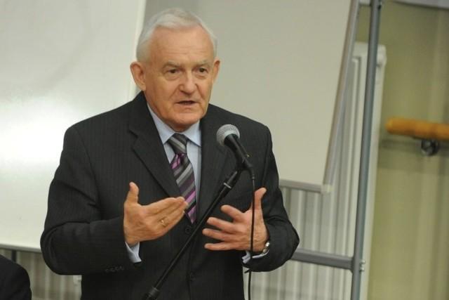 Większość swego wystąpienia lider SLD poświęcił sprawom wewnątrzpartyjnym.
