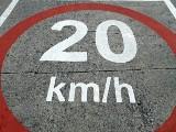 Mph na km/h. Jak przeliczyć? Mila na godzinę ile to kilometrów na godzinę?