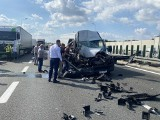 Dramatyczny wypadek na A4 pod Krakowem. Bus uderzył w tira, 7 osób w szpitalu. Autostrada była zablokowana