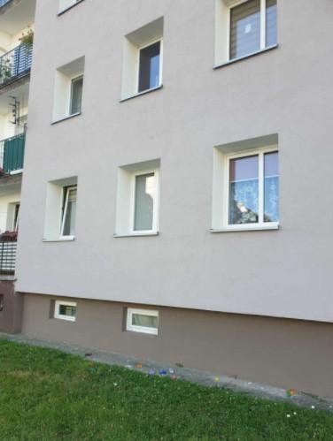 Trzylatek wypadł z okna w Namysłowie.