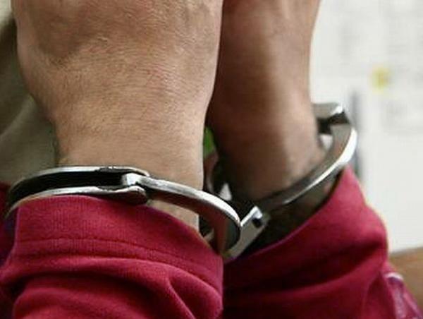 Policja zatrzymała sprawców rozbojów.