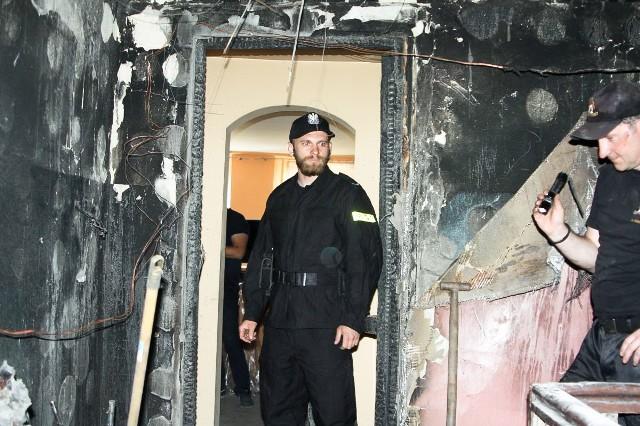 Policjanci z Kożuchowa otrzymali informację o pożarze w jednym z mieszkań na kożuchowskim rynku