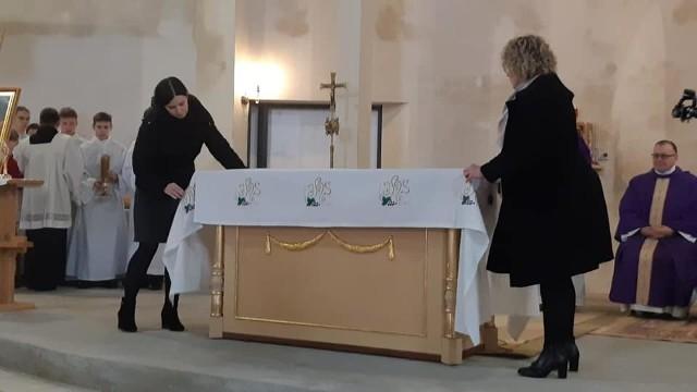 Z udziałem abp. Stanisława Budzika, metropolity lubelskiego została odprawiona pierwsza msza święta w kościele św. Jana Kantego w Lublinie