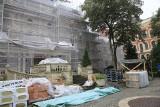 Pałac Poznańskich w Łodzi: szybsze tempo remontu i ratunek dla figur na dachu [ZDJĘCIA]