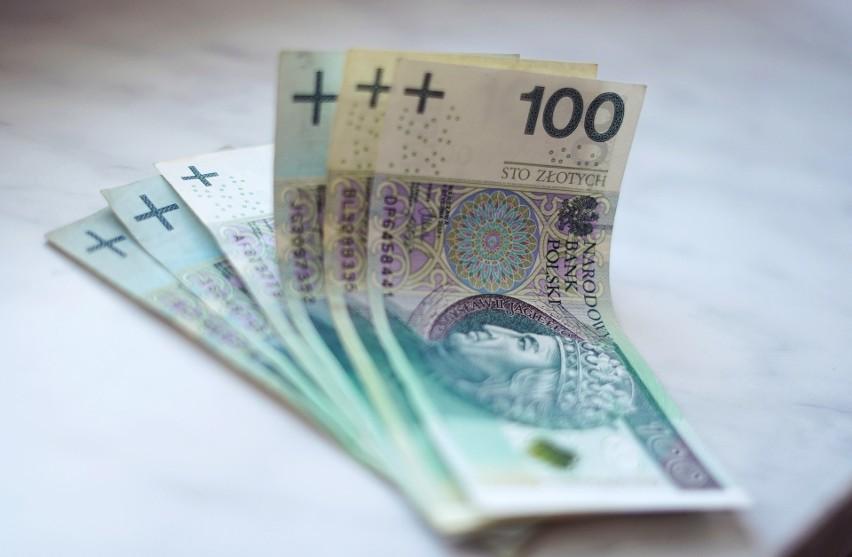Płaca minimalna to najniższe wynagrodzenie, jakie w danym...