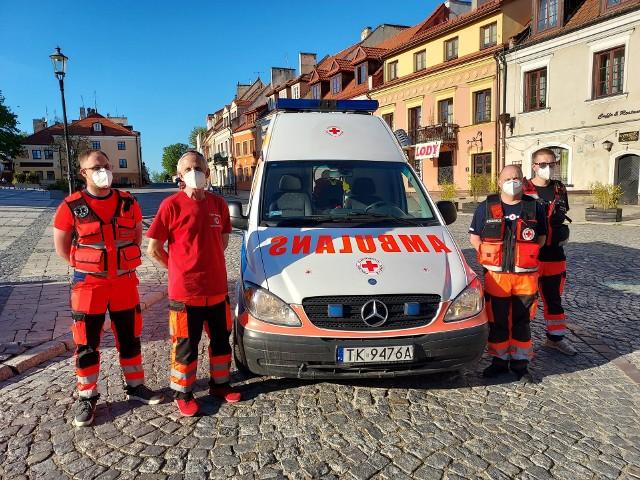 Sandomierska grupa PCK dostała karetkę pogotowia w ramach projektu Bezpieczne Powiaty Świętokrzyskie.  Przekazana karetka to mercedes vito z 2008 roku z  napędem na cztery koła.