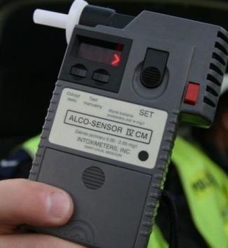 W weekend bytowscy policjanci zatrzymali dwóch kierowców pod wpływem alkoholu.