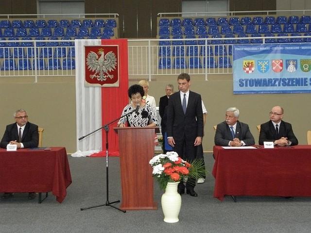 Burmistrz Leszek Duszyński, znalazł sposób, aby nie dopuścić do sporów radnych na sesji
