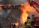 Pożar w Malborku. 8.02.2021 r. Nie ma poszkodowanych. Spłonęło zaplecze pizzerii przy ul. Prusa. Na miejscu pracowało 15 zastępów straży