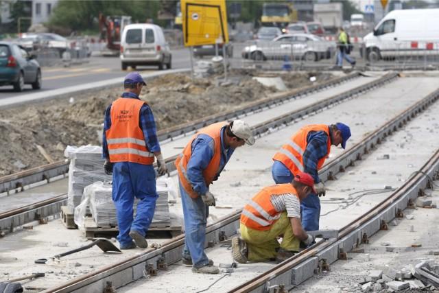 Budowa torowiska na ul. Bardzkiej