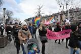 Manifa przeszła ulicami Kielc. Niektórzy mieli maski i okulary [ZDJĘCIA, WIDEO]