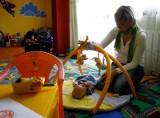 Nianie zarabiają w lubelskim coraz więcej. Ale i tak mniej niż w innych miejscach Polski