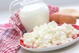 Czy twaróg jest zdrowy? Wartość odżywcza i właściwości sera białego. Twaróg chudy, półtłusty, tłusty – kalorie i białko. Który wybierać?