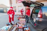 Czterech św. Mikołajów ruszyło z prezentami do potrzebujących w Bydgoszczy i regionie [zdjęcia]