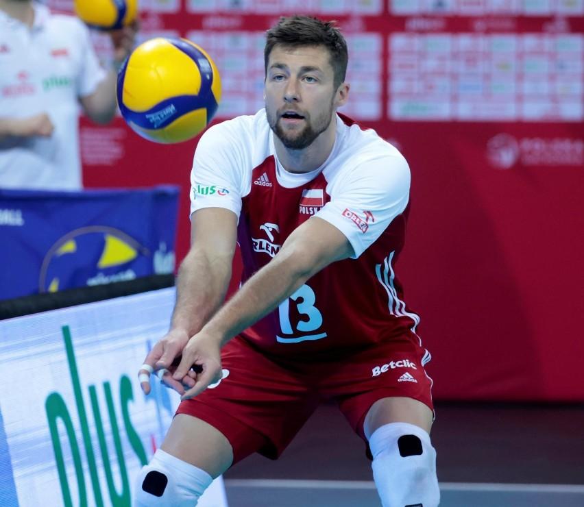 Michał Kubiak, kapitan; ur. 23 lutego 1988 w Wałczu; wzrost...