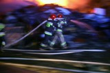 Pracowita sylwestrowa noc strażaków z 31.12.2020 na 1.01.2021. 47 pożarów na Pomorzu. W Trójmieście spłonęło 5 samochodów