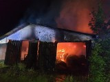 Cztery podobne pożary na południu Wielkopolski. Zaangażowane liczne zastępy strażaków. Policja sprawdza, czy nie dochodzi do podpaleń