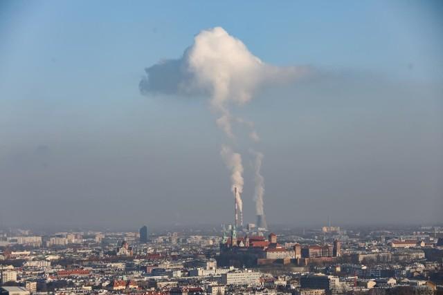 Smog w Krakowie i nad okolicznymi miejscowościami był dziś bardzo mocno widoczny