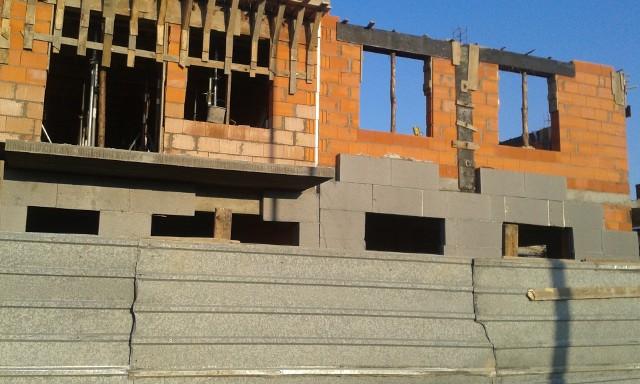 Na zmianach w Kodeksie urbanistyczno-budowlanym mają skorzystać m.in. właściciele domów jednorodzinnych.