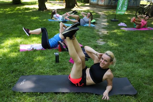 Aktywne Krakowianki na bezpłatnym maratonie fitness w Parku Jordana [ZDJĘCIA]