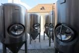 Otwarcie Browaru Stary Rynek we wrześniu. Tanki na piwo przyjechały dzisiaj