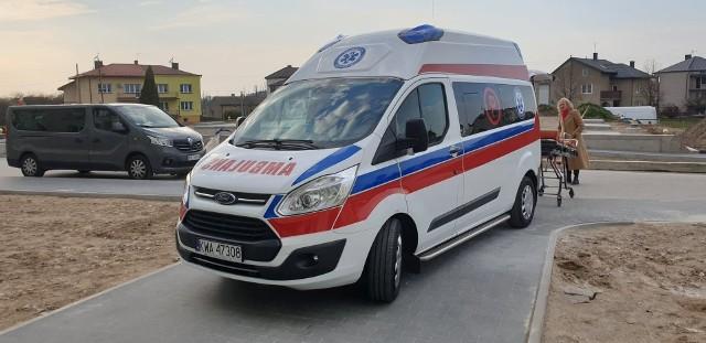Ambulans do transportu pacjentów z podejrzeniem zakażenia koronawirusem już jest w Łapach. Trafił tu w zaledwie cztery dni od zgłoszenia.