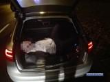 Pościg za pijanym kierowcą. Pasażer spał... w bagażniku [FILM]