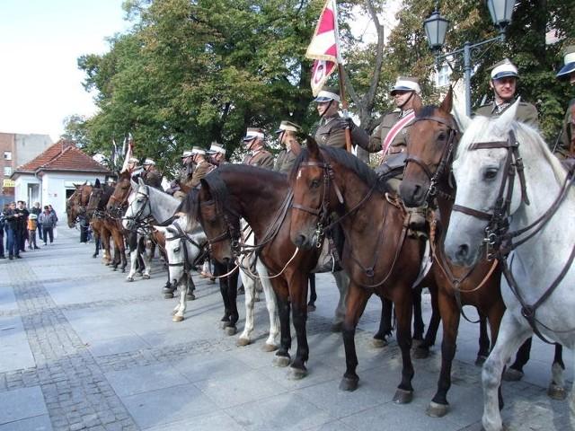 Klub jeździecki Joker z Działowa kultywuje tradycje Kawalerzystów 8. Pułku Strzelców Konnych. Wsparcie otrzymał na organizację obchodów setnej rocznicy sformowania 8.PSK w Chełmnie