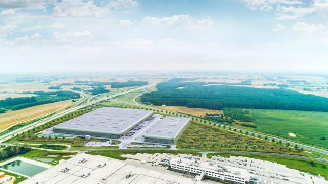 Pandemia w niewielkim stopniu wpłynęła na rynek powierzchni magazynowych w województwie łódzkim i w kraju. Magazynów ciągle przybywa, planowane są też nowe inwestycje, także w naszym regionie.Nowe centrum dystrybucyjne powstanie np. w Głuchowie pod Łodzią, u zbiegu autostrady A1 i dróg krajowych numer 91 oraz 12. Kompleks MDC² Park Łódź South będzie miał powierzchnię 65 tys. mkw i ma zostać oddany do użytku w trzecim kwartale przyszłego roku. Deweloper właśnie kupił tu działkę, trwają poszukiwania generalnego wykonawcy.Czytaj dalej