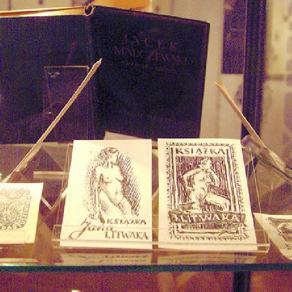 Eksponaty jednej z najważniejszych wystaw - ekslibrisów w spichrzach