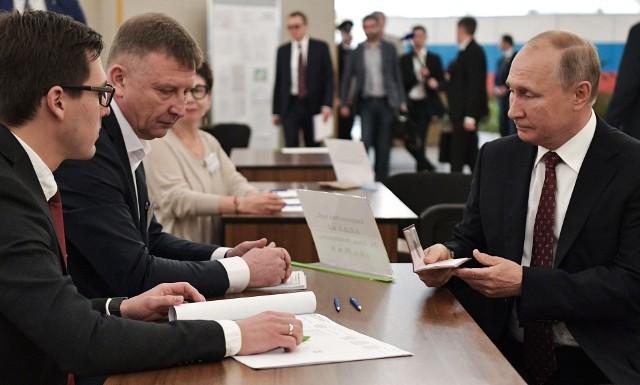 Władimir Putin również głosował w Moskwie, jednak jego partia nie uzyskała takiego wyniku, jak w poprzednich wyborach