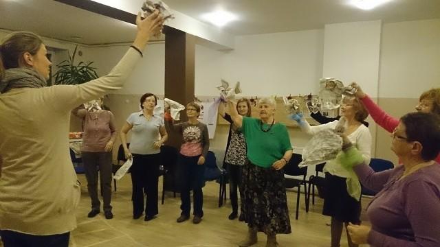 Zajęcia w poznańskiej Szkole Super Babci i Super Dziadka odbywają się we wtorki, o godz. 16