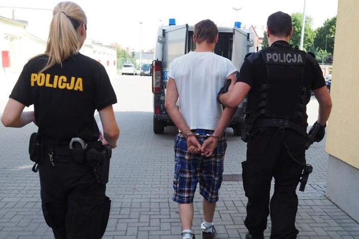 32-latek z Dobiegniewa poszukiwany za kradzieże został zatrzymany w Dobiegniewie.