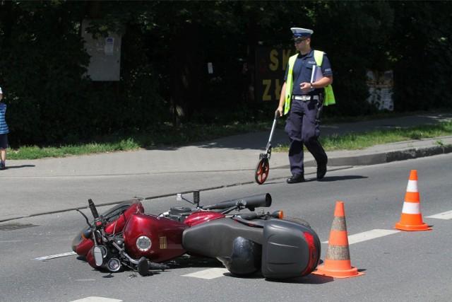 Motorowerzysta zginął na miejscu.