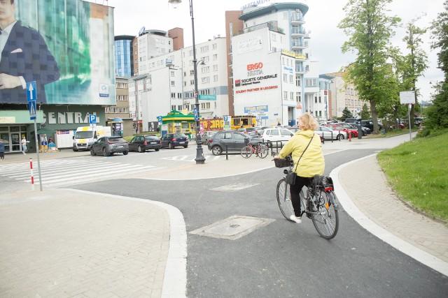 Nowe ścieżki rowerowe w centrum Białegostoku są już prawie ukończone.