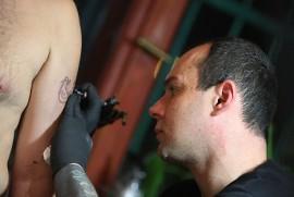 Noc Tatuażu W Pubie Artelier Na Imprezę Przybyły Tłumy