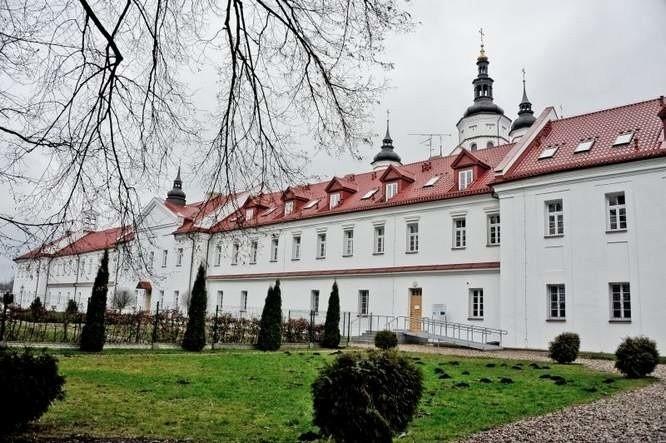 Otwarcie wyremontowanego monasteru przyciągnęło polityków z...
