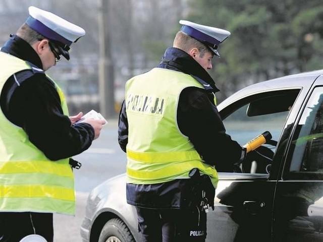 Po wytrzeźwieniu 21-letni mieszkaniec Świnoujścia usłyszał zarzut kierowania pojazdem w stanie nietrzeźwości, do którego się przyznał.
