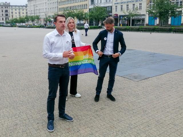 """Nowoczesna deklaruje solidarność ze społecznością LGBT+. W sobotę, 3 lipca, Marsz Równości przejdzie ulicami Poznania. """"Poznań jest miastem otwartym i tolerancyjnym. Chcemy, by w mieście wszyscy czuli się jak najlepiej"""" - przekonują politycy Nowoczesnej."""