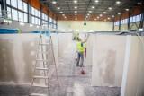 Nowe zdjęcia z budowy szpitala tymczasowego w Białymstoku! Kto zgłosił się do pracy w szpitalu?