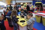 Wszystko zbudowane z klocków Lego! Raj dla małych budowniczych w Porcie Łódź. ZDJĘCIA