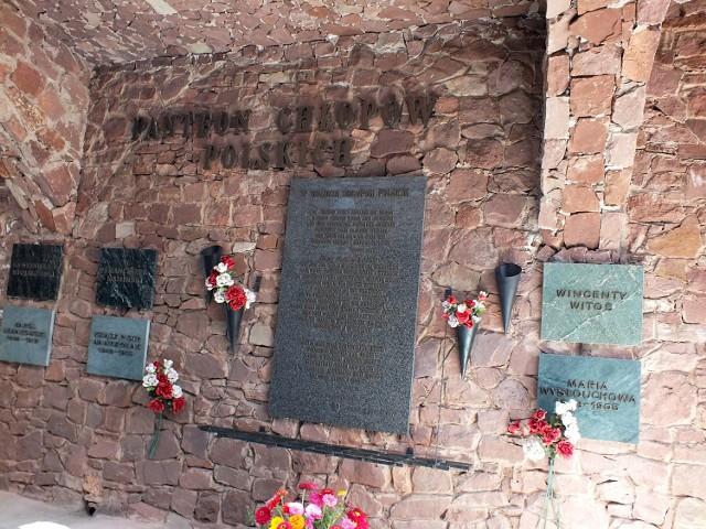 W sanktuarium w Kałkowie jest jedyny w Polsce Panteon Chłopów Polskich