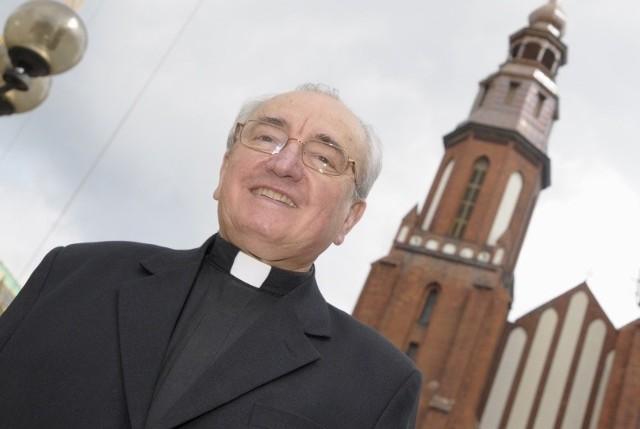 Ks. infułat Edmund Podzielny, proboszcz katedry: – Nie słyszałem kazania księdza Małkowskiego i nie chcę go komentować. Ale jestem pewny, że w kościele na nienawiść miejsca nie ma.