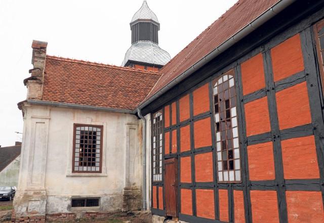 Tychowska świątynia odzyskuje blask. Najstarsza budowla w mieście jest  jednym z najcenniejszych zabytków regionu.
