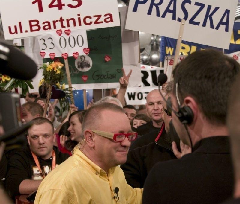 Wejście na żywo w TVP2. Jurek Owsiak dziękuje Praszce