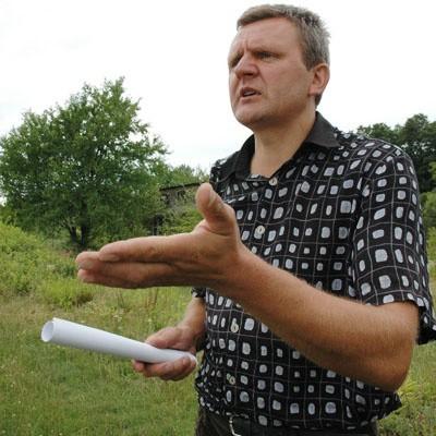 - To jest skandal. Przez tyle lat tu pracowaliśmy, a teraz nas się wyrzuca - mówił wczoraj  działkowiec Sławomir Kowalczuk.