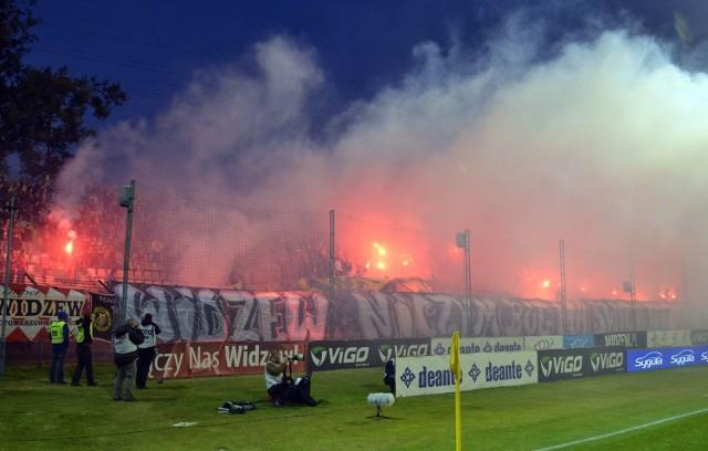 Zamknięcie stadionu Widzewa to kara za oprawę, jaką przygotowali podczas meczu z Lechią Gdańsk kibice łódzkiej drużyny